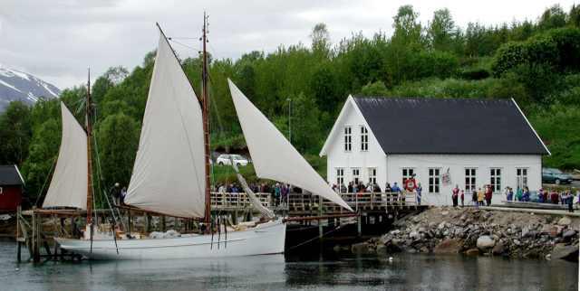 """MK """"Folkvang"""" forsommeren 2004, før avreisen til Brest (Foto: Knut Godø)"""