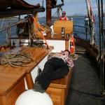 Det er Snorre øyen som er skipper på Folkvang når dette bilde ble tatt.